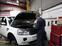 Land Rover Servicing Leeds West Yorkshire: Adventure service and Repair